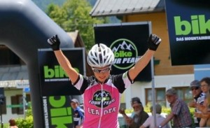 Suveren vinner! Foto: bike-fourpeaks.de